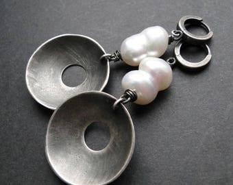 Silver pearl earrings, white pearl earrings