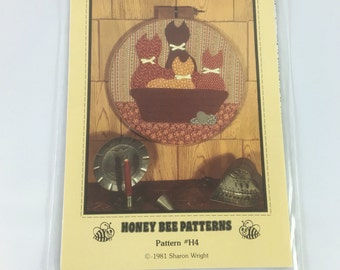 """Honeybee Pattern #H4 Cats in a Basket 14"""" Hoop"""