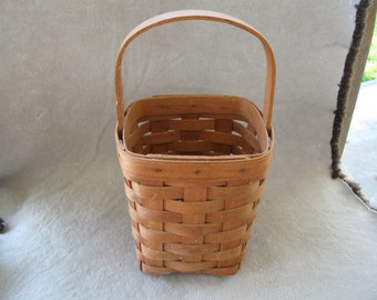 Vintage Longaberger  1990 Basket  FREE SHIPPING IN U S A