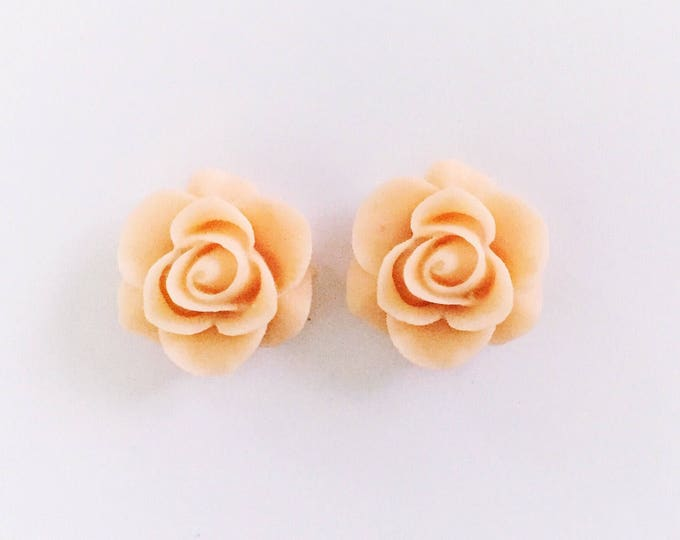 The 'Ivy' Flower Earring Studs