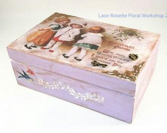 Decoupage box in Christmas theme