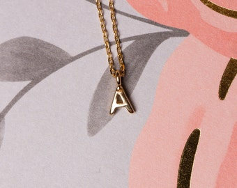 Free Dangling, Initial Charm Necklace