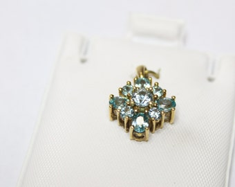 10k Yellow Gold 1.89ctw Round and Oval Shape Blue Zircon Cluster Pendant