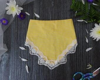 Bandana Bib with Lace - Yellow/White