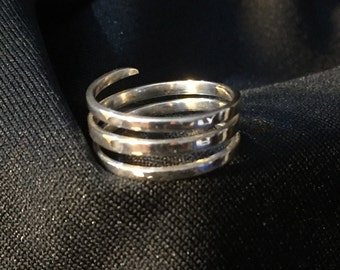 Sterling silver wrap around band size 5