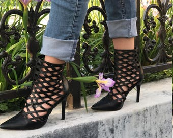 Black Akira  Leatherette Zipped Heels