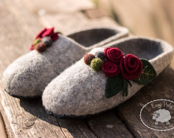 Gift|for|her gift|for|mom House Shoes Felted Wool Slippers Woolen Clogs Felted Slippers Felted Clogs Felt slippers Felted Flowers