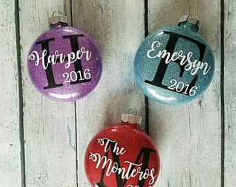 Personalized Christmas Ornament, Custom Christmas Ornament, Custom Tree Decoration, Christmas tree decorations, Yearly Family Ornament