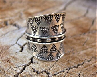 Silver ring. Silver Jewellery. Ethnic Jewellery. Ethnic ring. Silver ring. Ethnic jewelry. Silver jewelry.