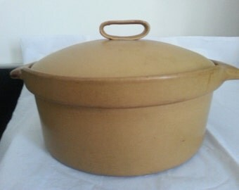 Bennington Potters tawny mustard large casserole dish with cover by Aida #1621