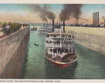 Keokuk, Iowa Vintage Postcard - First Boats Going Through Government Lock, Streckus Line, Mississippi River