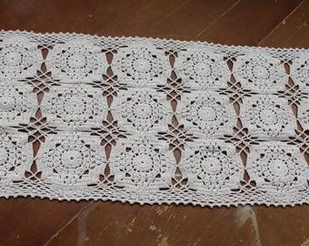 Crochet Table Runner Vintage Mid Century 1960's Beige Crochet Lace Table Runner Shabby Chic Decor Wedding Runner Table Decor Table Linen