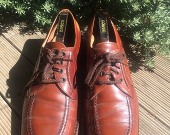 Vintage men's shoes and shoe tree
