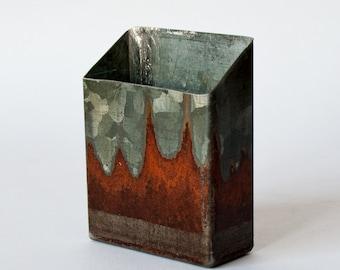 Cigarette case partly rusty metal | 17ZE01
