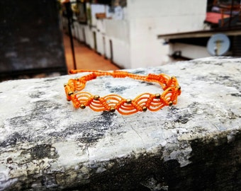 Macrame bracelet in the wave design