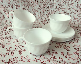 Arcopal Trianon Cups and Saucers