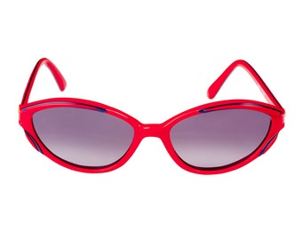 Guy Laroche red sunglasses 80s, made in France. True vintage sunglasses women, cat eye sunglasses, vintage frames