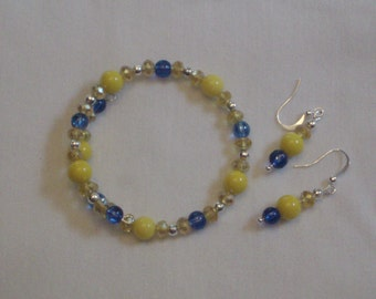 Memory Wire Bracelet, Yellow and Blue Single Loopw/ Dangle Earrings
