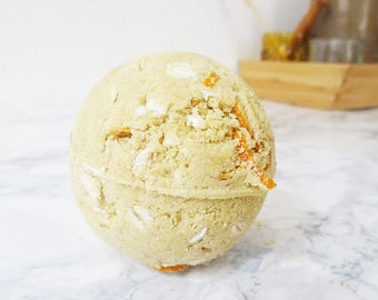 """Sweet Dreams"", Orange bath bomb and flake of oatmeal - Bath bomb - essential oil and macadamia oil - organic cosmetics bio"