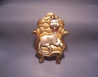 A J C Cat Sitting on a Throne Brooch