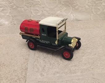 Matchbox Yesteryear 1912 Ford Model T BP Matchbox 1912 Ford Model T Tanker Truck BP Diecast Car Mode