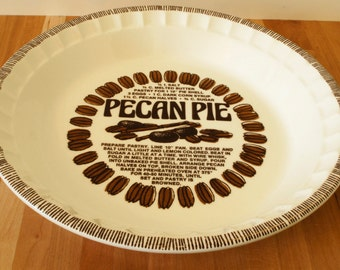 Country Harvest Pecan Pie Dish