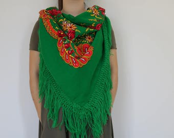 Viana's tradicional scarf, green, traditional pattern, fringed scarf, made in Portugal.