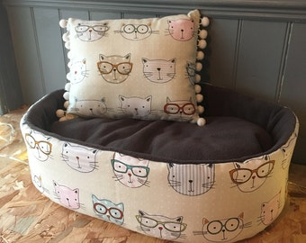 Cool Cats cat bed with dark grey fleece inside for extra snuggle comfort for your cat