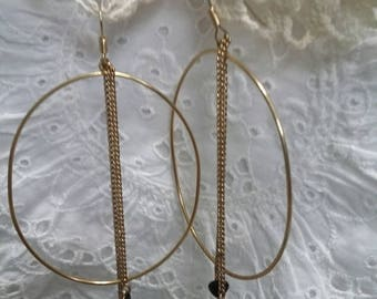 Big hoops with hearts on chains earrings