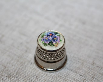 "Thimble with ebroidery ""Violets"""