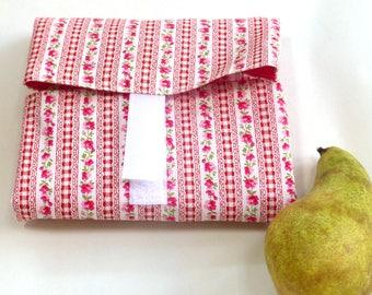 OnTheGoSandwich Sandwich wrap: pink flower fabric