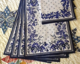 French Country  style placemat and napkin set