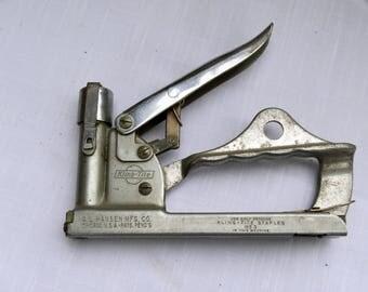 Hansen Mfg. Co. Kling tite No. 3 Staple Gun Stapler Tool 1940.vintage stapler,1930's stapler,industrial stapler,vintage rustic stapler