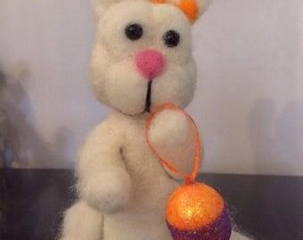 Rabbit - Bunny - Easter - Easter Bunny - egg - Easter Egg - needle felting - bee - Bumble Bee