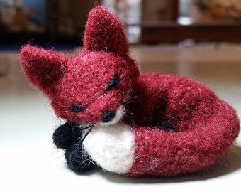 Tiny Needle felted FOX