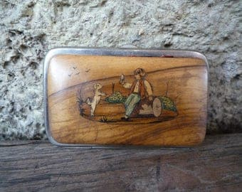 Vichy cigarette box with wooden covers