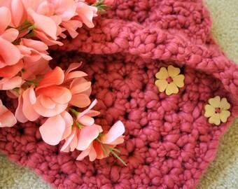 La Vie En Rose Crochet Cowl Scarf