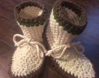 Womens slippers, Crochet slippers, ladies slippers,Mukluk slippers, ladies cuff slippers, wool slippers, ladies slipper boots, wool booties