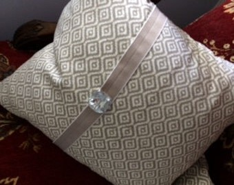 Decorative Designer Grey & White Geometric Pillow Cover with Pillow