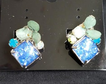 Blue Stud Earrings w/ flower//Gifts//weddings//birthdays//graduation//anniversary//spring//flower//girl//love//present
