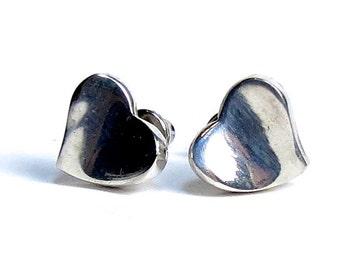 Sterling Silver Heart Earrings - Silver heart studs - sterling heart stud earrings - Sterling silver - Stud earrings - Heart posts
