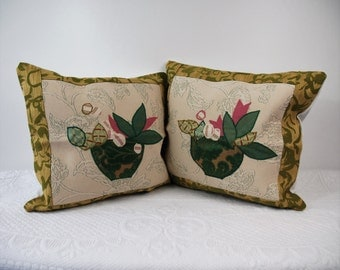 Pair of Green Dark Edge covers, pillow covers, a pair of cushions, cushions with embroidery, gift for her