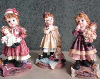Turtle King Figurines - Three Little Girls with Dolls