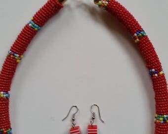 Afrikanisches Halskette mit Ohringe
