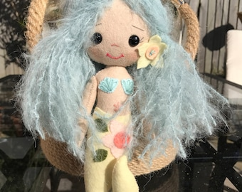 Gingermelon felt mermaid doll