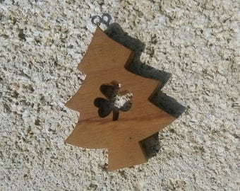 Tree decoration with Shamrock in olive wood