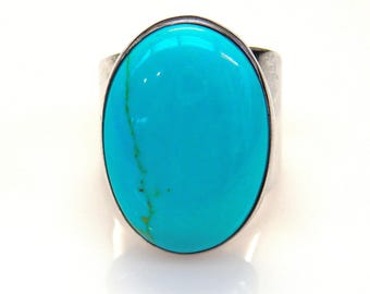 Sterling Silver Oval Shape Turquoise Ring