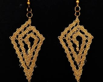 Lace earrings, bobbin lace earrings, lace jewelry, handmade jewelry, handmade earrings, handmade lace,bobbin lace jewelry,geometric earrings