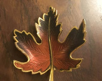 Vintage Leaf Brooch, Thanksgiving Pin, Costume Jewelry, Gifts for her, 60's Fashion