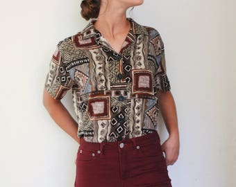 Vintage late 90's Basic Editions safari printed button-up collared brown short sleeved soft shirt/blouse, size large.